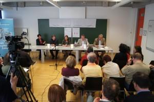Alice Pechriggl, Jörg Helbig, Anna Schober, Rainer Winter zeichnen und Verleger Herbert von Halem | Foto: aau/KK