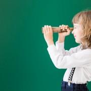 Mädchen schaut in die Ferne | Foto: sunny studio/Fotolia.com