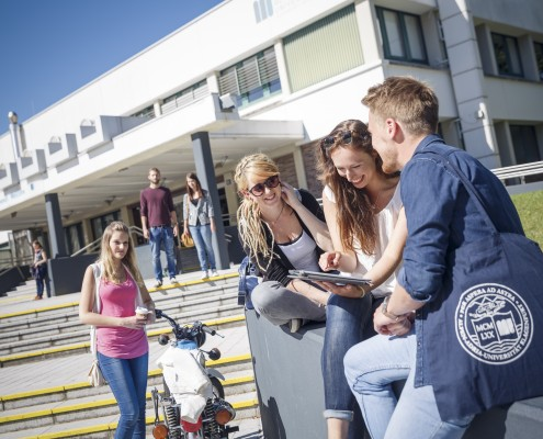 AAU Haupteingang | Foto: tinefoto.com