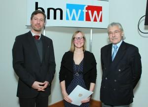 Elmar Pichl (bmwfw), Natalie Prüggler und Hans-Joachim Bodenhöfer (AAU) (v.l., Foto: bmwfw)