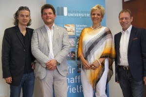 v.l.n.r.: ORF-Moderator Mike Diwald, Rektor Oliver Vitouch, ORF Landesdirektorin Karin Bernhard und ORF Programmchef Martin Weberhofer | Foto: aau/KK