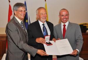 LH Peter Kaiser, Peter Gstettner und BM Gerald Klug   Foto: Militärkommando Kärnten