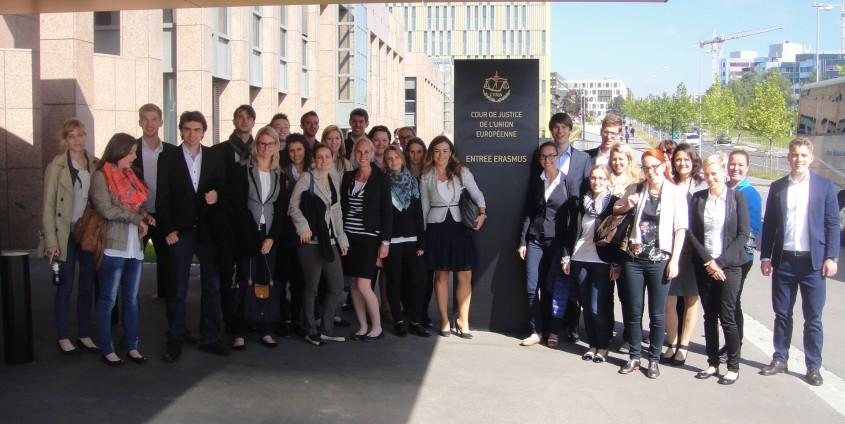 Die Studierenden der Rechtswissenschaft besuchen die Institutionen der Europäischen Union | Foto: aau/KK