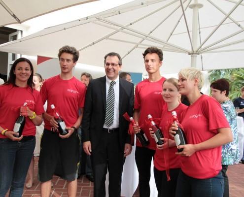 Das Ruderteam der FH Kärnten mit Rektor Dietmar Brodel | Foto: aau/pibal