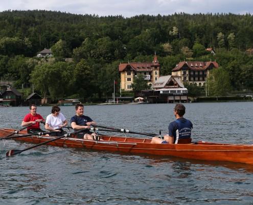 Rektor Oliver Vitouch, Rektorin Marlies Krainz-Dürr und Rektor Dietmar Brodel im Ruderboot | Foto: QSpictures