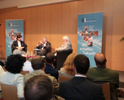 Präsident Christoph Kulterer, Gouverneur Ewald Nowotny und Nationalökonom Reinhard Neck | Foto: aau/Hoi