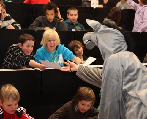 2012 war auch ein Esel bei der UNI für Kinder dabei | Foto: aau/Hoi