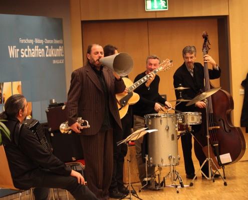 Musikalische Umrahmung: The Talltones und AAU-Trio   Foto: aau/Hoi