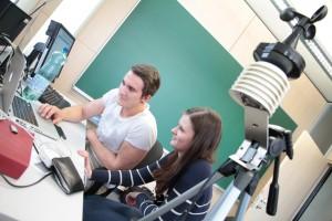 Projekt 2013: SchülerInnen entwickeln Webapplikation für eine Wetterstation   Foto: aau/Pibal