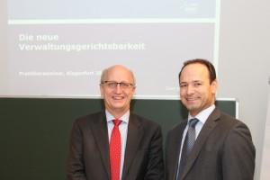 Vortrag von Richter Georg Lienbacher (links) zum Thema Verwaltungsgerichtsbarkeit, gemeinsam am Bild mit Gerhard Baumgartner
