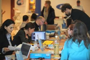 Studieninteressierte bei den Beratungsgesprächen | Foto: aau/Hoi