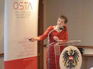 Verena Winiwarter bei ihrem Vortrag in der österreichischen Botschaft in Washington D.C.   Foto: Office of Science and Technology Austria (OSTA)