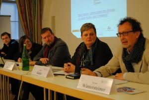 FriedensforscherInnen bei der Pressekonferenz | Foto: aau/KK