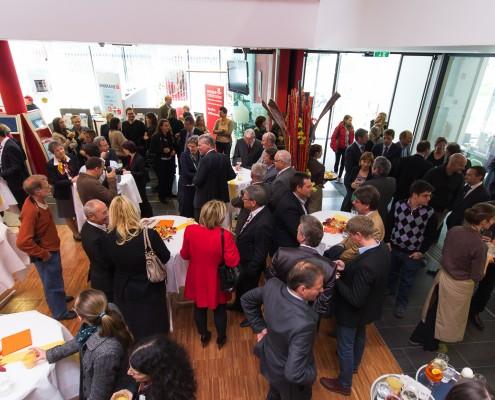 Zahlreiche Gäste beim Empfang anlässlich des Beginns des neuen Studienjahres | Foto: aau/Waschnig