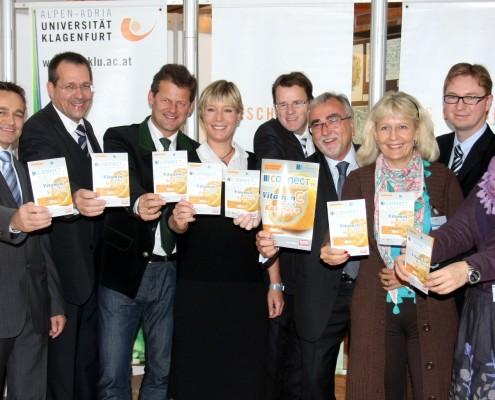 v.l.n.r.: Roland Leopold und Richard Brixel (Kleine Zeitung), Dietmar Brodel (Rektor FH Kärnten), Christian Scheider (Bürgermeister der Stadt Klagenfurt), Vanessa Dugulin (Kelag), Peter Wedenig (AMS Kärnten), Heinrich C. Mayr (Rektor Uni Klagenfut), Carmen Wieland (Kelag), Günther Skubel (Bosch Mahle TurboSystems), Annegret Landes (Uni Klagenfurt) | Foto: aau/wajand