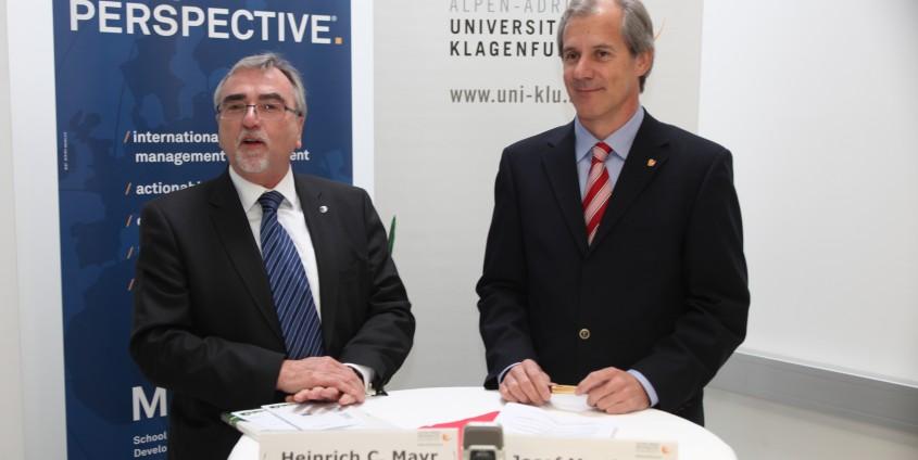 Rektor Heinrich C. Mayr und Landesrat Josef Martinz | Foto: aau/Hoi