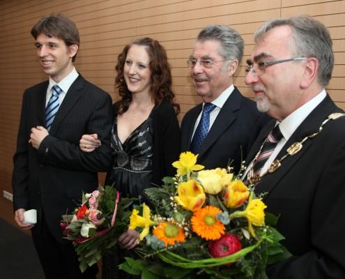 Hannes Kazianka, Lisa Kazianka, Heinz Fischer, Heinrich C. Mayr   Foto: aau/Hoi