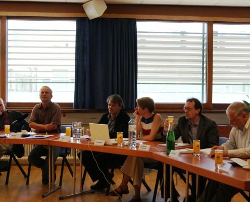 v.l.n.r.: Wolfgang Dietrich, Hans-Peter Graß, Wilfried Graf, Claudia Brunner, Werner Wintersteiner, Arno Truger | Foto: aau/Daniela Rippitsch