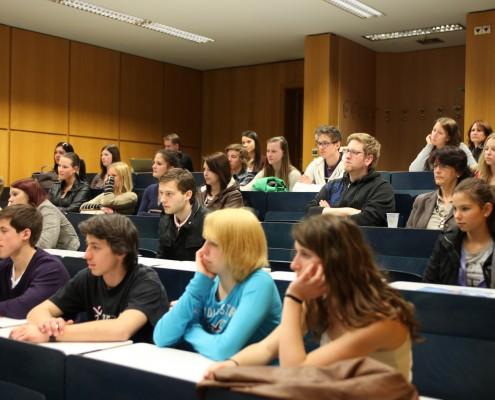 Für die zukünftigen Studierenden wurden eine Reihe von Vorträgen und Workshops angeboten | Foto: aau/Hoi