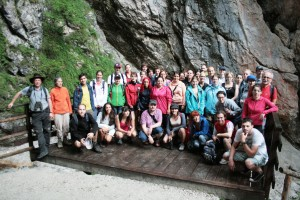 Die TeilnehmerInnen des Sommerkollegs in der Mlinarica-Schlucht