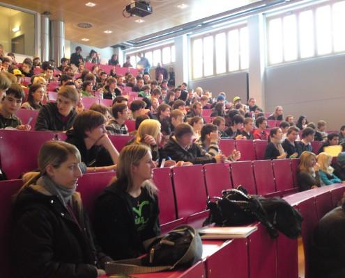 250 SchülerInnen bei der Technik-Live 2010 | Foto: aau/KK