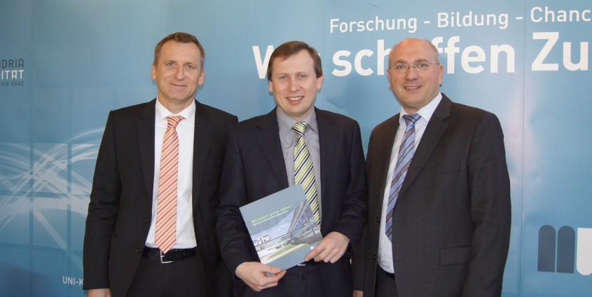 von links: Ralf Terlutter, Erich Schwarz und Johannes Heinrich | Foto: aau/Krömer