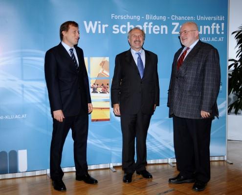 Dekan Schwarz, OeNB-Gouverneur Prof. Nowotny, Prof. Neck | Foto: aau/Wallner