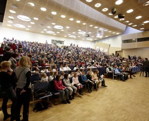 Nachwuchsforscherinnen und -forscher der 5. UNIKLU für Kinder | Foto: aau/Puch