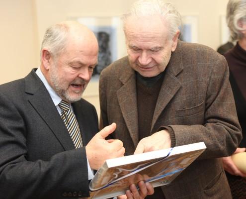 Laudator Hubert Lengauer mit Ehrenbürger Felix Orsini-Rosenberg | Foto: aau/Hoi