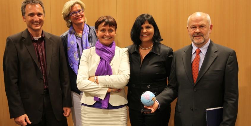 Univ.-Prof. Dr. Bernhard Rinner, Dr. Ursula Plassnik , Dr. Herta Stockbauer, Roula Millauer, Vizerektor Univ.-Prof. Dr. Hubert Lengauer | Foto: aau/KK