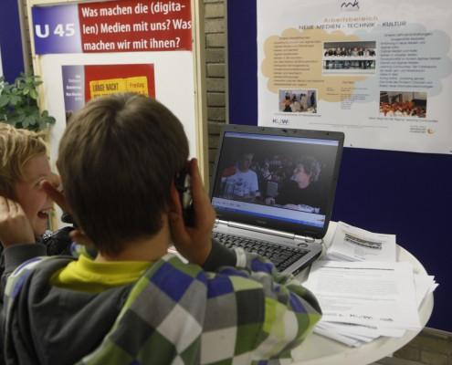Was machen die (digitalen) Medien mit uns? Was machen wir mit ihnen? | Foto: aau/Maurer
