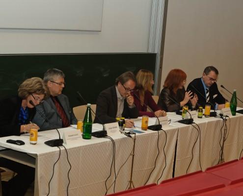 """Podiumsdiskussion """"Perspektiven und Zukunft der Medien- und Kommunikationswissenschaft in Österreich""""   Foto: aau/Zeitler"""