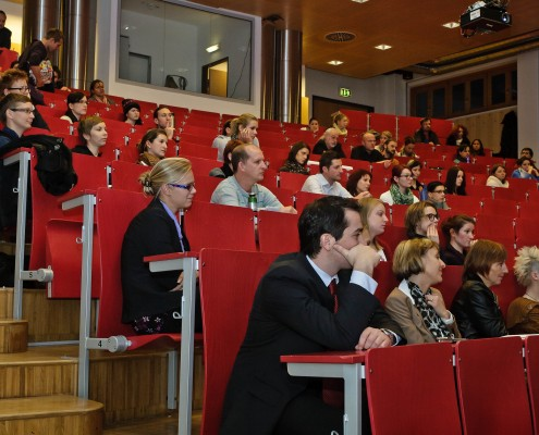 Der Festvortrag: 40 Jahre Medien- und Kommunikationswissenschaft   Foto: aau/Zeitler