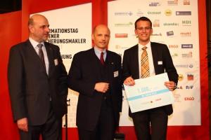 FGO Rudolf Mittendorfer, FGO-Stv. Wilhelm Hemerka & Fabian Sylle bei der Preisverleihung   Foto: aau/KK