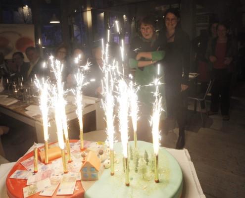 Die Geburtstagstorte | Foto: aau/Selina de Beauclair