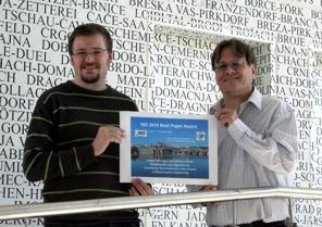 Jürgen Vöhringer und Günther Fliedl vom Institut für Angewandte Informatik, Forschungsgruppe Application Engineering | Foto: aau/KK