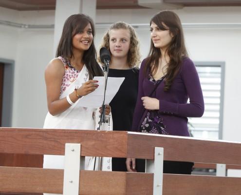 Die Schülerinnen des BRG Viktring: Kalgi, Katarina und Mariam | Foto: aau/Maurer