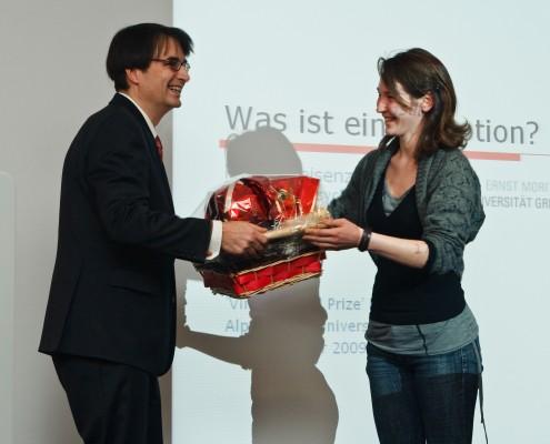 Korbgruß der Studienrichtungsvertreterin für Psychologie | Foto: aau/Zeitler