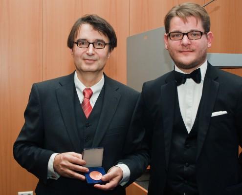 Laudator Oliver Vitouch und Nobelpreisträger Rainer Reisenzein | Foto: aau/Zeitler