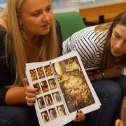 Studierende mit den Silent Books | Foto: aau/Müller