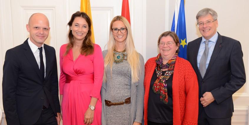 Verleihung Stipendien an AAU Studierende  Foto: LPD/Benny Bürger