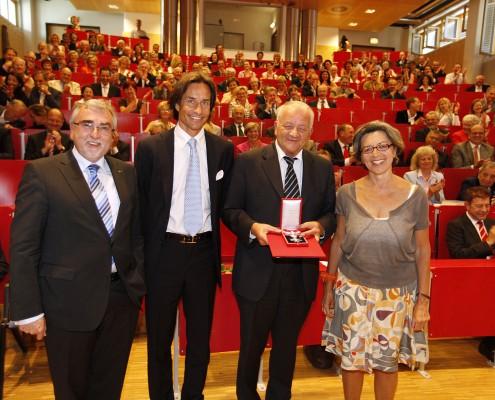 v.l.n.r.: Heinrich C. Mayr, Karl-Heinz Grasser, Herbert Kofler und Elisabeth Freismuth   Foto: aau/Jost
