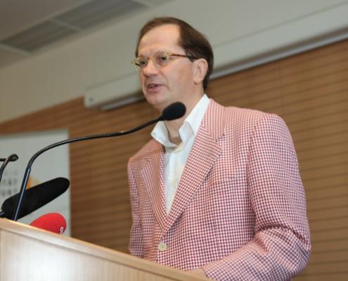 Ansprache des Ehrendoktors Winkler | Foto: aau/Hoi