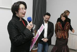 Mag. Michaela Monschein (am Mikrophon) | Foto: aau/Puch