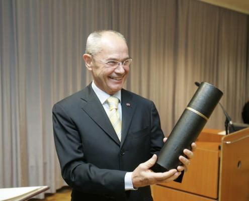 Ehrensenator Hermann Hirsch | Foto: aau/Puch