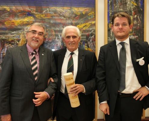 v.l.n.r.: Rektor Heinrich C. Mayr, Ehrensenator Hans Kampfer und Senatsvorsitzender Oliver Vitouch | Foto: aau/Hoi