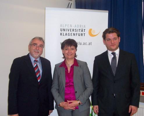 v.l.n.r.: Heinrich C. Mayr, Herta Stockbauer, Oliver Vitouch | Foto: aau/Mitterbacher