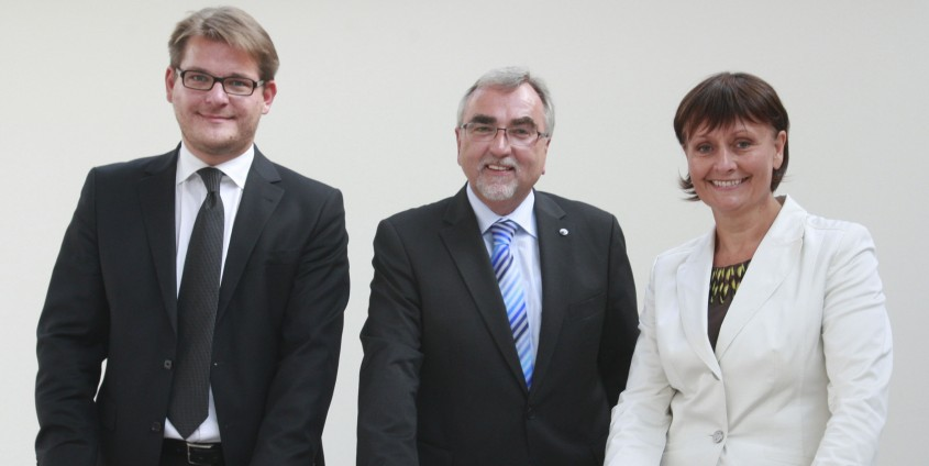 v.l.: Senatsvorsitzender Oliver Vitouch, Rektor Heinrich C. Mayr, Universitätsrats-Vorsitzende Herta Stockbauer | Foto: aau/Eggenberger