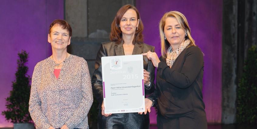 Verleihung Gütezeichen hochschuleundfamilie 2015 | Foto: Harald Schlossko