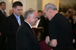 Präsidenten Lech Kaczyński überreicht die Urkunde an Univ.-Prof. Dr. Oded Stark Ph.D. | Foto: www.prezydent.pl